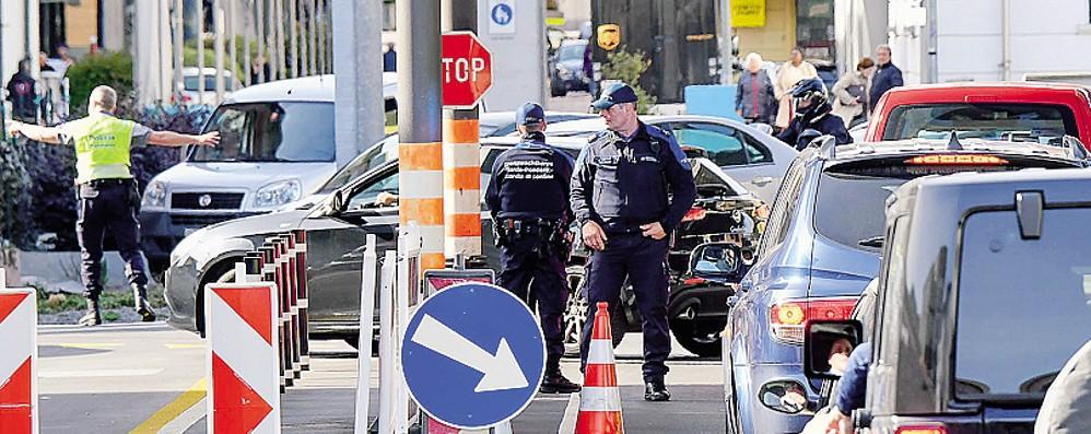La Svizzera ha deciso  Frontiere riaperte  soltanto dal 15 giugno