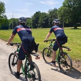 Carabinieri in bici nel Parco  Spacciatori messi in fuga