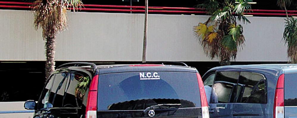 Le imprese degli Ncc  A Como 500 attività  ferme da tre mesi