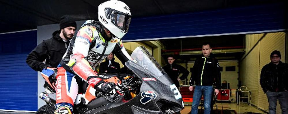 Team Motocorsa in pista  Test Superbike a Misano