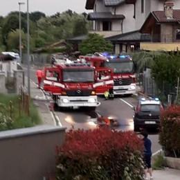 Mozzate, box in fiamme  Mobilitati i vigili del fuoco