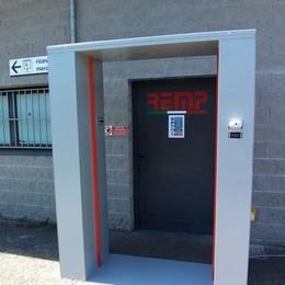 Porta magica anti Covid  Misura la temperatura  e sanifica i vestiti