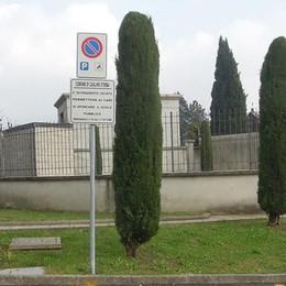 Caslino: uomo di 66 anni  trovato senza vita in cimitero