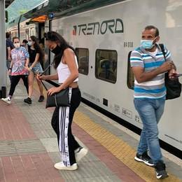 Erba, i pendolari chiedono più treni  «Caro sindaco, convinca Trenord»