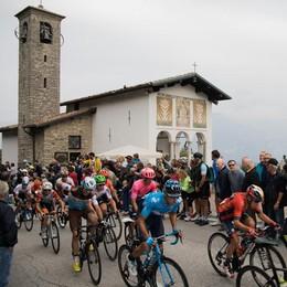 Il Giro di Lombardia a Ferragosto  Muro di no a Magreglio e Sormano