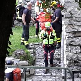 Laglio, cade da due metri  Spalla rotta per uomo di 38 anni