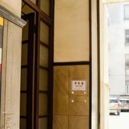 Residenti e commercianti dicono no  Duecento firme contro il dormitorio
