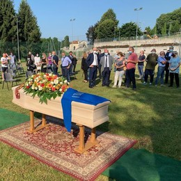 Alzate, il vecchio Milan  all'addio a Pierino Prati