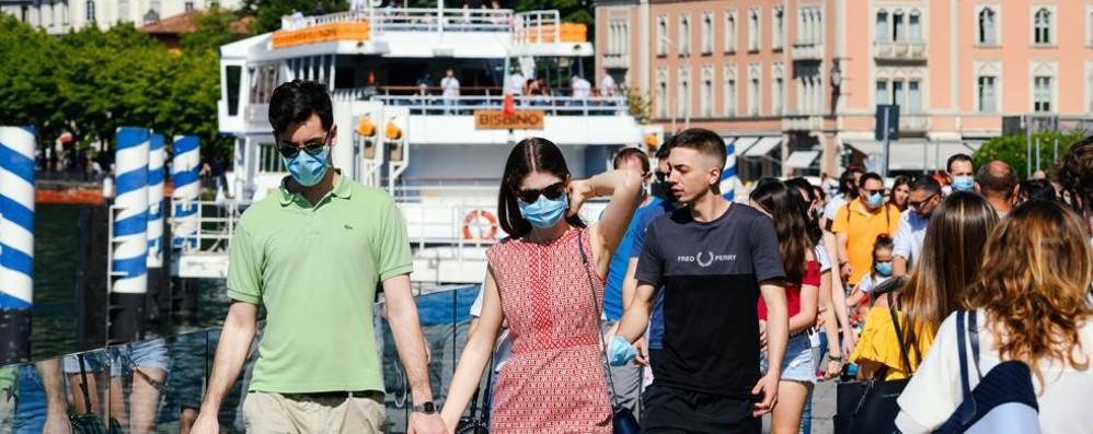 Lombardia: mascherine all'aperto  Stop o proroga fino al 15 luglio