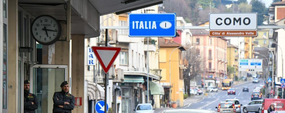 Svizzera, cresce  il feeling con l'Europa  Frontalieri più sicuri