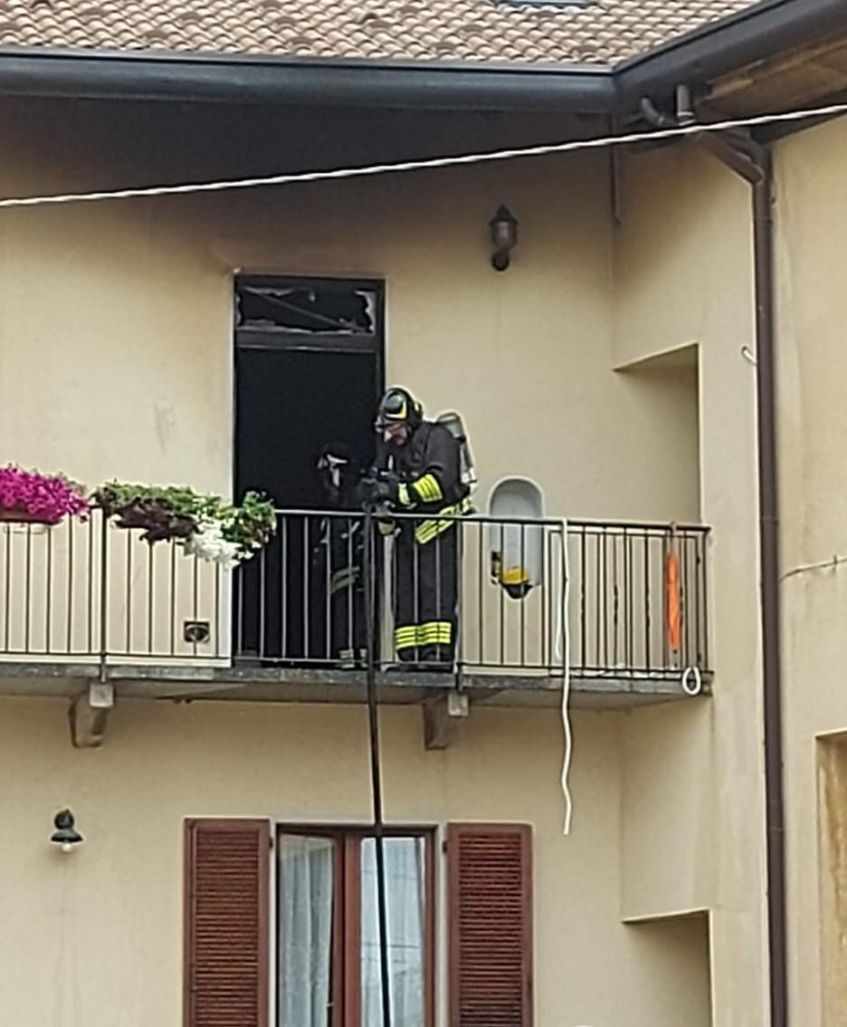 I vigili del fuoco nell'appartamento