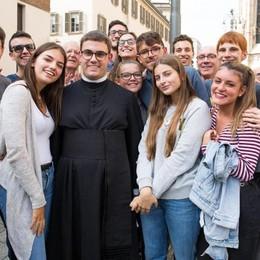 Cantù, diventerà prete a 25 anni Simone: «Un sogno fin da bimbo»