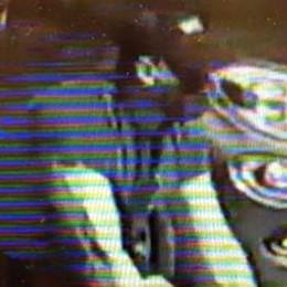Fotografata la fuga del ladro di bici  È il secondo furto in sette giorni
