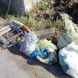 Montorfano, Riserva piena di rifiuti   I volontari: «Dateci una mano»
