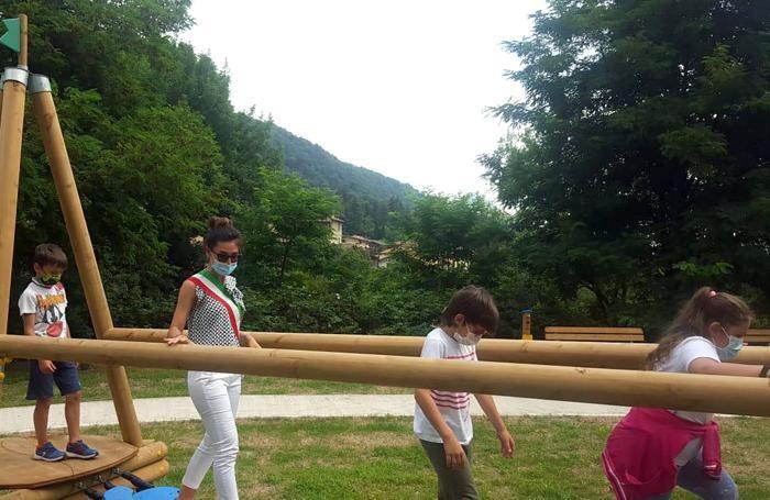 Il sindaco Giuliana Castelnuovo prova il  percorso del parco