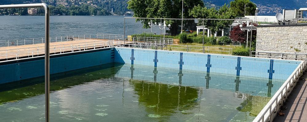 Ancora niente chiavi  Como Nuoto e Comune  ignorano la sentenza
