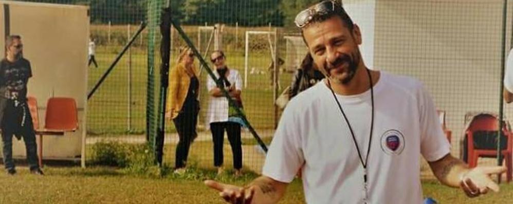 Papà vinto dal male in un mese  L'addio sul campo di calcio