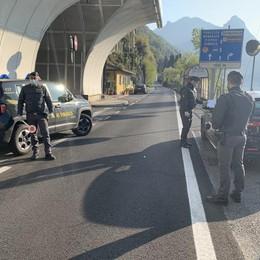 Valsolda, auto immatricolate  in Svizzera  Per non pagare l'assicurazione in Italia