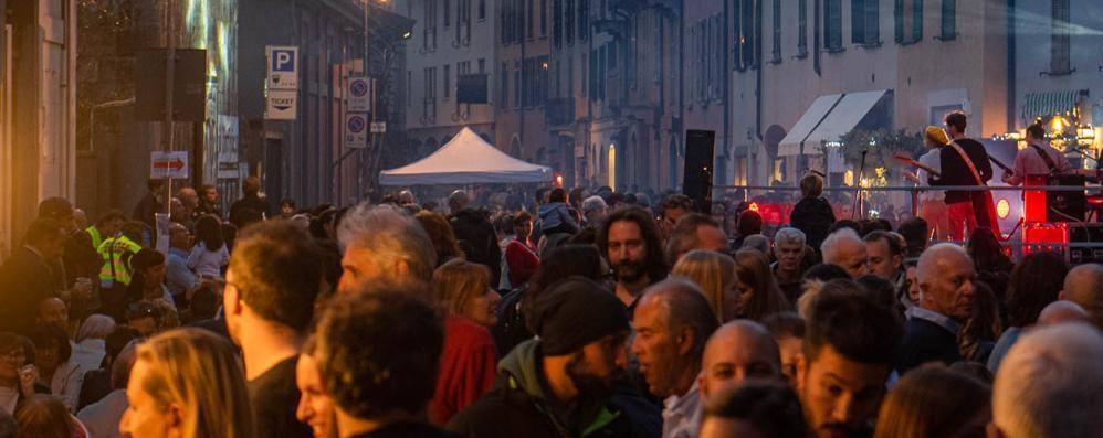 Via Borgovico, eventi e mercatini  La strada chiude un weekend al mese