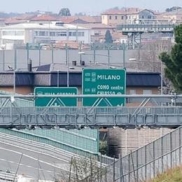 Bufera sull'ex sindaco di Grandate  «Togliete tutte le deleghe a Luraschi»