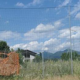 Albavilla, politici contro parrocchia  «Persi i soldi per il campo da calcio»