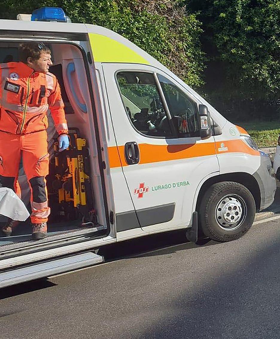 I soccorritori in piazza Fiume