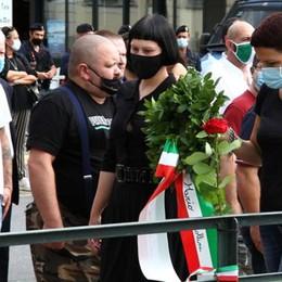 Dongo, tagliate le rose  in ricordo dei gerarchi  Il sindaco: «Gesto vile»