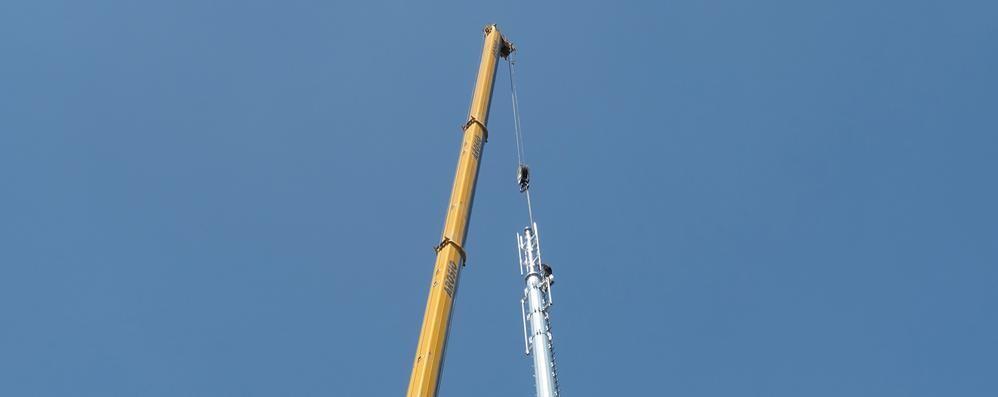 Erba, petizione contro la nuova antenna  Il sindaco: «Non c'è nulla da temere»