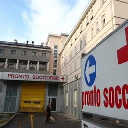 Ferito alla testa da un lamiera  Operaio soccorso ad Appiano
