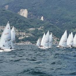 Sole, vento e 101 barche Festa dei laser a Domaso