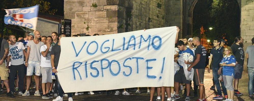 Esplode la protesta contro il Comune  Mercoledì una manifestazione a Como