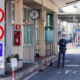 La Svizzera teme una nuova ondata  E l'80% chiede misure più severe