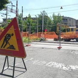 Mariano, lavori al passaggio a livello  Sbarre giù: chiusa via XXIV Maggio