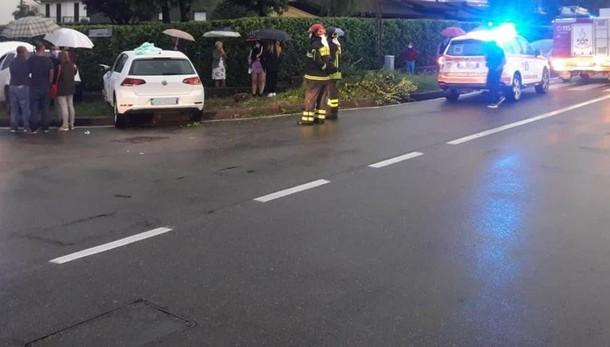 Scontro tra auto a Lomazzo  Tre persone ferite