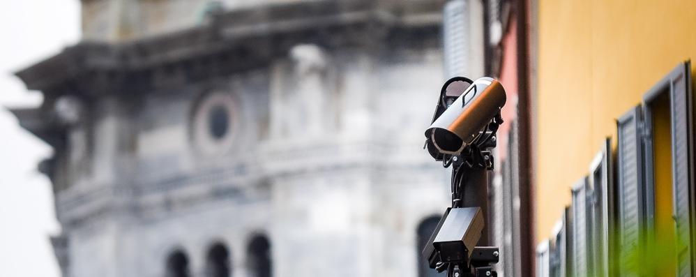 Le telecamere nella Ztl  Multe a chi non è assicurato