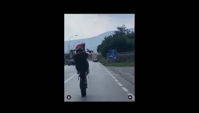 Erba, Como-Lecco in moto su una ruota