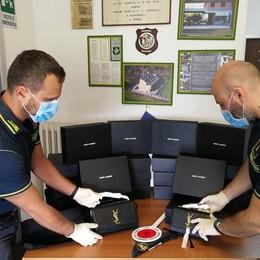 Contrabbando di borse  al valico di Ronago