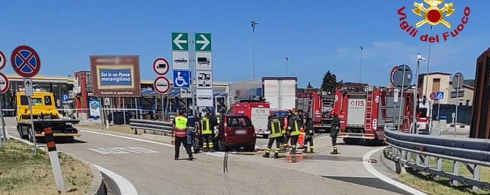 Incidente in autostrada  Morti due coniugi di Como