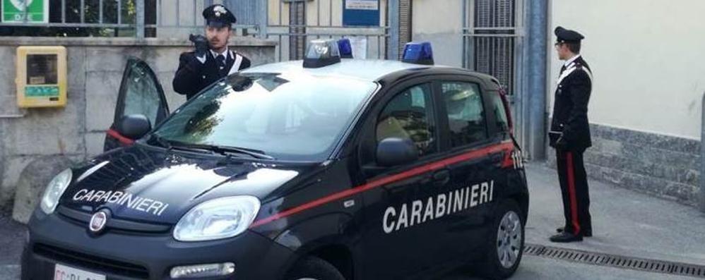 Minacce e insulti ai vicini Arrestato a Turate