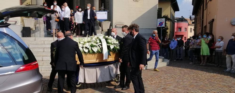 Novedrate, in tanti per l'addio   alla maestra Mirella Cimnaghi