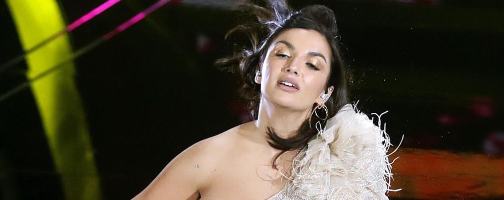 Si sposerà davvero sul Lario?  Il giallo Lamborghini fa impazzire il web