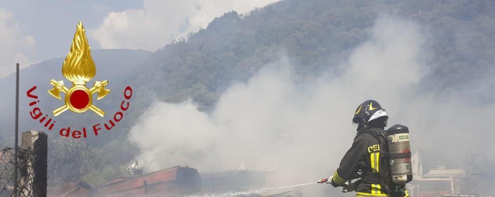 Sorico, fiamme vicino a un campeggio  Tre persone in ospedale, non sono gravi