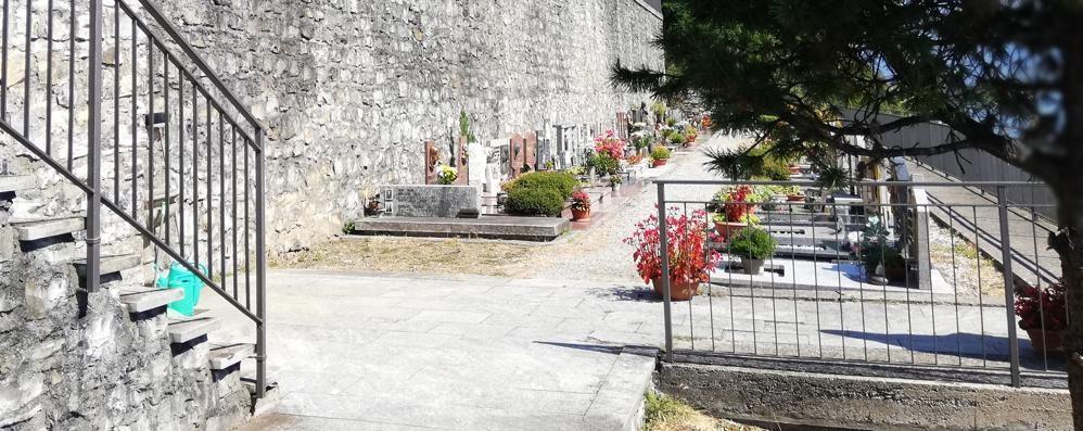 Colonno, non c'è pace al cimitero  Ennesimi furti di fiori e piantine