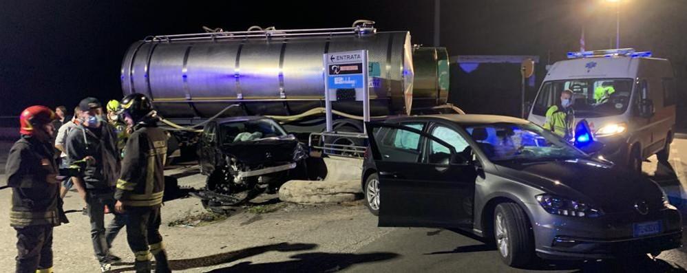 Scontro tra due auto  Tre feriti  a Lurago d'Erba