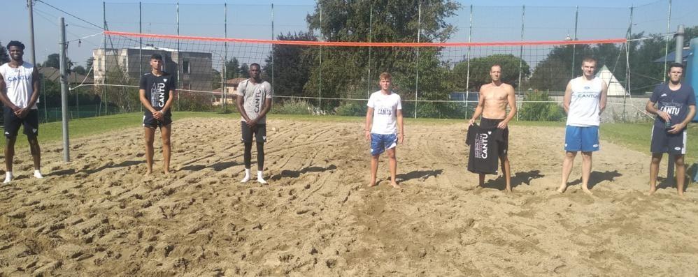 Che fatica per Cantù  Si allena sulla sabbia