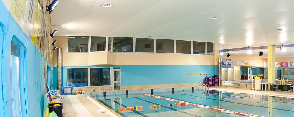 È un agosto senza tuffi a Olgiate  Chiude anche la piscina coperta