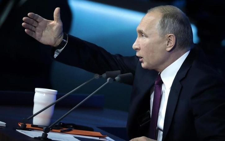 Covid: registrato il primo vaccino  Putin: «Testato su mia figlia»