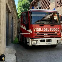 Incendio in un box  Pompieri ad Albese