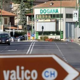 Stipendio dei frontalieri,  la media è 4.447 franchi  Mille in meno degli svizzeri