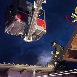 Eupilio, brucia canna fumaria  Vigili del fuoco in via Cornizzolo
